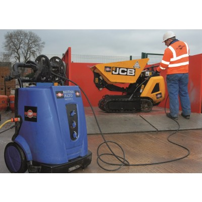 1440 PSI 110V Hot / Cold Pressure Washer